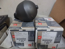 n°g36 lot 2 sphere citroen xantia 95666861