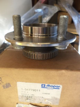 n°z270 moyeu roue chrysler 300m 4779011