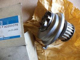 n°p271 pompe eau opel astra kadett vectra 90295078