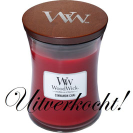 Woodwick Medium candle cinnamon chai ***uitverkocht***