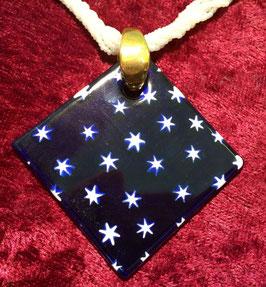 Anhänger blau mit Sternen