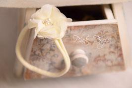 Elastisches Haarband mit Blume für besondere Anlässe