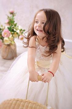 """Tüllkeid """"Lilli"""" creme für Fotografie oder Hochzeit"""