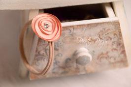 Elastisches Haarband mit Rose für besondere Anlässe