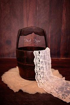 Großer Vintage Eimer für Neugeboren Fotografie dunkles Holz
