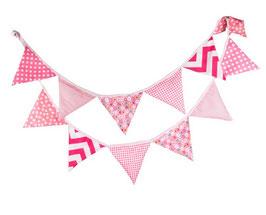 Wimpelkette Girlande aus Stoff in pink, verschieden Gemustert
