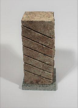 Steinheizung aus rotem Kunststein