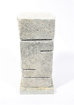 Steinheizung aus weißem Kunststein