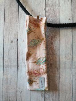 Haarband bunte Federn auf rosa ca. 47-48cm