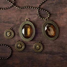 Prima Memory Hardware: La Rochelle Antique Trinkets
