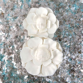Prima Resin Flowers:  Babs