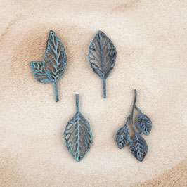 Prima Metal Patina Trinkets - Stroked Leaves