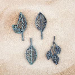 Prima Metal Patina Trinkets - Stroked Leaves