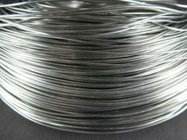 01 Silberfarbener Aluminiumdraht