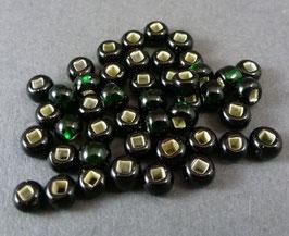 Gr02 Dunkelgrün Silbereinzg.; 4,5mm