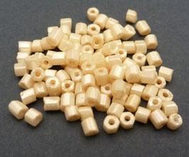 GC18 Creme opak; 2,5mm