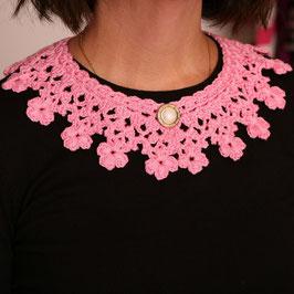 Collana-colletto rosa chiaro