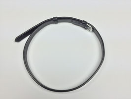 schwarzer Sperrriemen aus Leder mit silberfarbener Schnalle