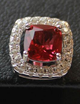 Boccole con pietra centrale taglio princess color rosso rubino