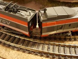 KATO TGV 10-198 / 2 polige Magnetkupplung   (Bausatz)
