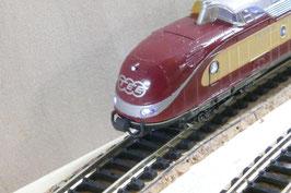 Kupplungsattrappe mit Schläuchen für den VT11.5 von Roco bzw. Fleischmann