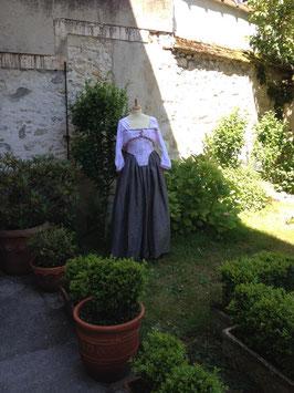 Pierrot d'inspiration fin  XVIII ème siècle . taille 40/42 en coton et lin