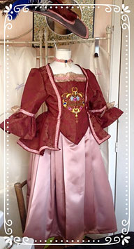 Caraco brodé XVIII éme s. : déguisement fillette taille 6 ans