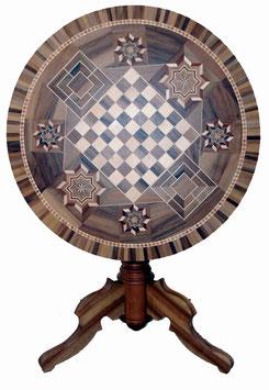 Tisch mit Einlegearbeiten - Schachbrett & Mühlespiele, div. Motive