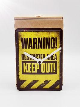 Warning Restricted Area Blechpostkartenuhr tm 144x101mm in Umweltkartonage...!