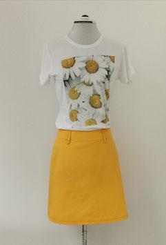 Sommer Outfit Rock und T-Shirt im Set.Besuchen Sie uns zum Maßnehmen in unserem Geschäft in Hallein.