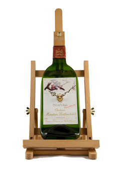 Unique piece of wine time chateau mouton Rothschild inklusive easel!