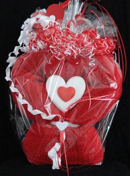 Herz in rot, fertig in Geschenkverpackung, z. B. für Muttertag und Geburtstag aus einem Duschtuch