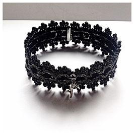 Opulentes Kropfband, Choker mit silbernem Krickerl, schwarz
