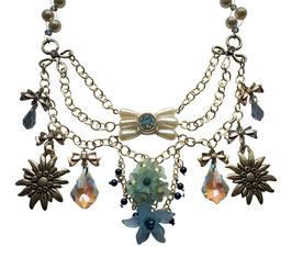 Dirndlcollier Sommerwiese mit Swarovski® Perlen und Swarovski® Kristallen hellblau