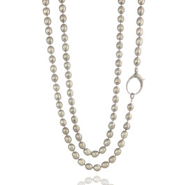 "Diamondclasp ""Large"" on a Light Grey Freshwaterpearls Necklace"