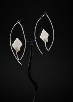 Ohrhänger Quadrat Perle vorne