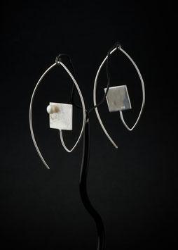 Ohrhänger Quadrat Perle schräg
