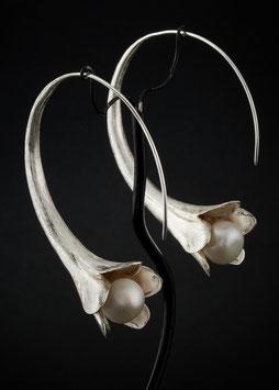 Ohrhänger Blume Perle Gross