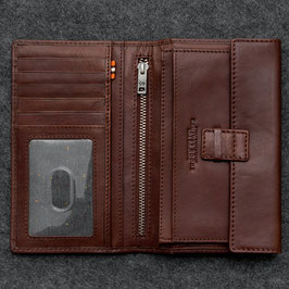 Tumble & Hide Tudor Leather Traditional Wallet