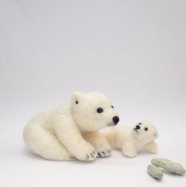 Eisbär Mutter mit Baby
