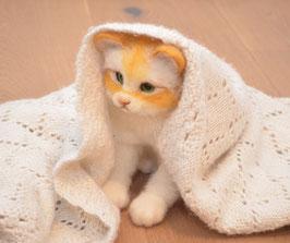 Realistische Katze aus Filz