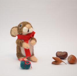 Maus mit Geschenk Weihnachten
