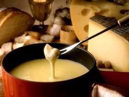 Käse-Fondue / 4 Gang-Dinner         Schweizer-hausgemachte Spezialität