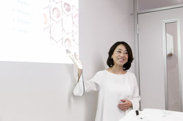 カリスマ美容部員専門学科 4ヵ月・平日コース