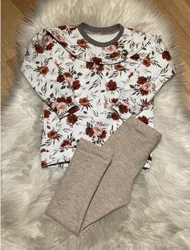 Dainty Sweater mit Rüsche