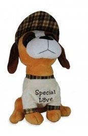 "Pluchen hondje. Crèmekleur shirt met tekst ""Special love'"