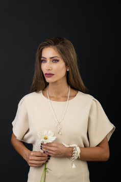 Halskette Light006 mit Bergkristall, Süsswasserperle und Echtsilberelemente