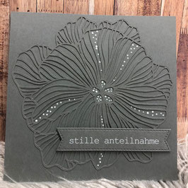 Trauerkarte filigrane Blüte