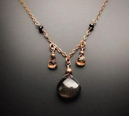 Schwarzer Mondstein mit Imperialtopas und schwarzen Diamanten