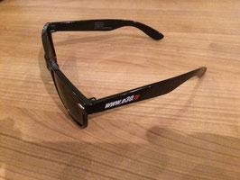 Sonnenbrille mit Schriftzug